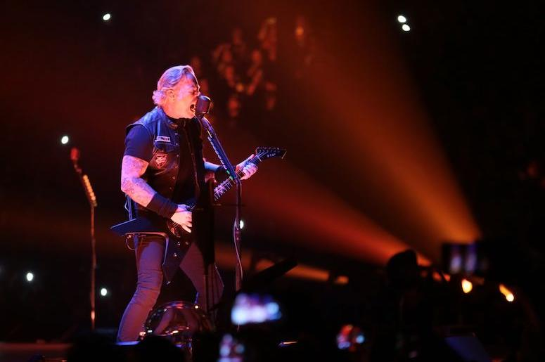 """Metallica Performs Emotional """"Here Comes Revenge"""" Live For The First"""