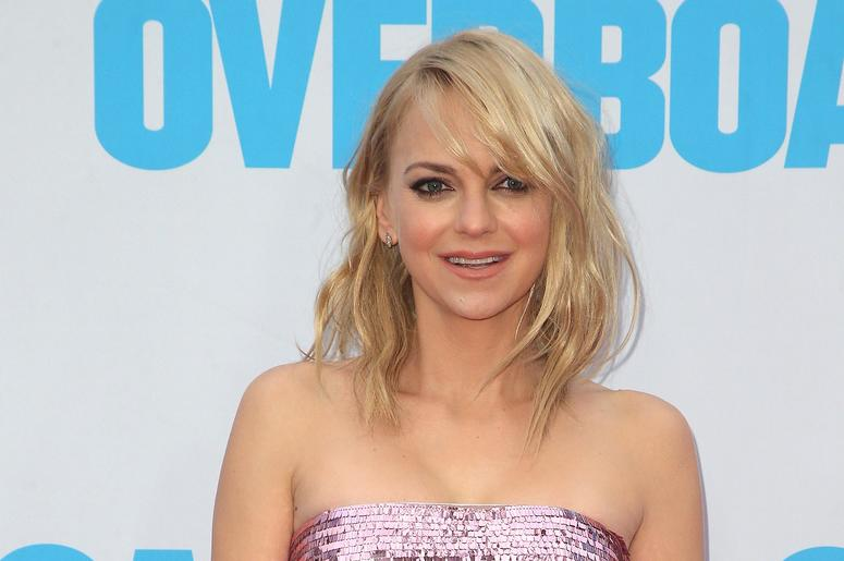 Actress Anna Faris Gets Body Shamed After Posting A ...