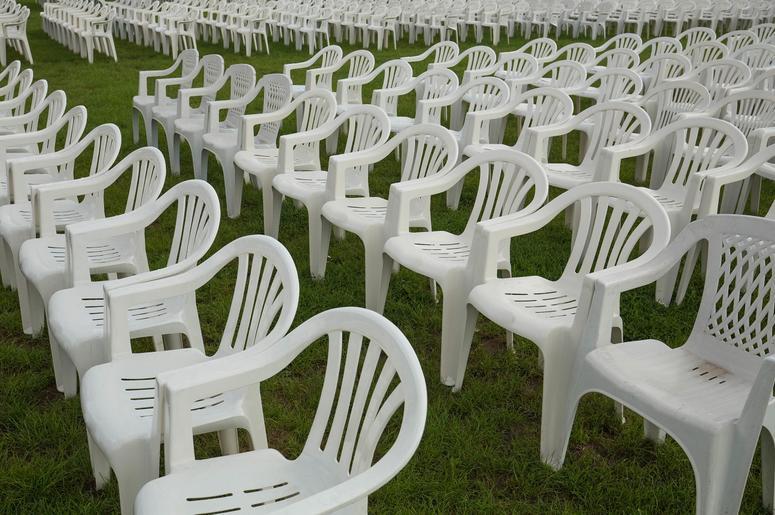 plastic_chairs