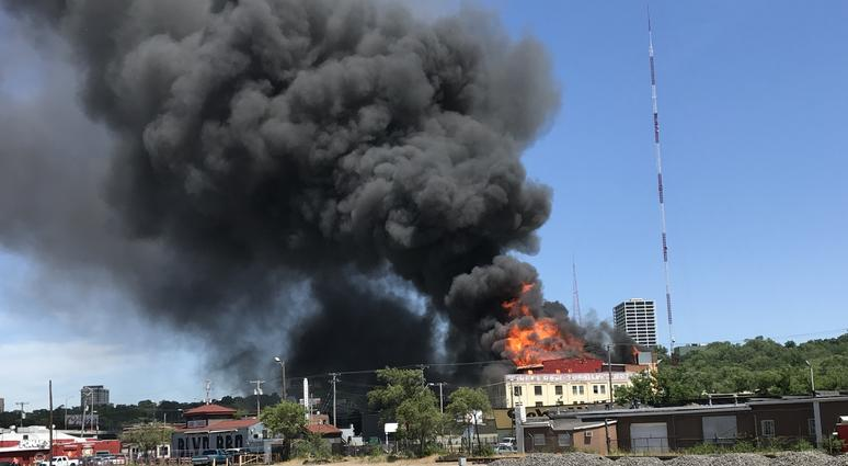 Massive Fire Consumes Furniture Store On Sw Boulevard Heavy Smoke