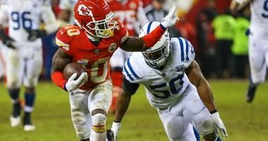 Chiefs wide receiver Tyreek Hill makes a run against the Indianapolis Colts