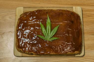 mom orders moana cake, gets marijuana cake