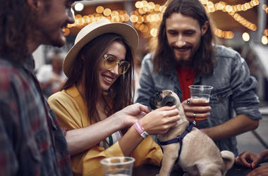 dog friendly bars, dog friendly patios, Unleased Hops and Hounds