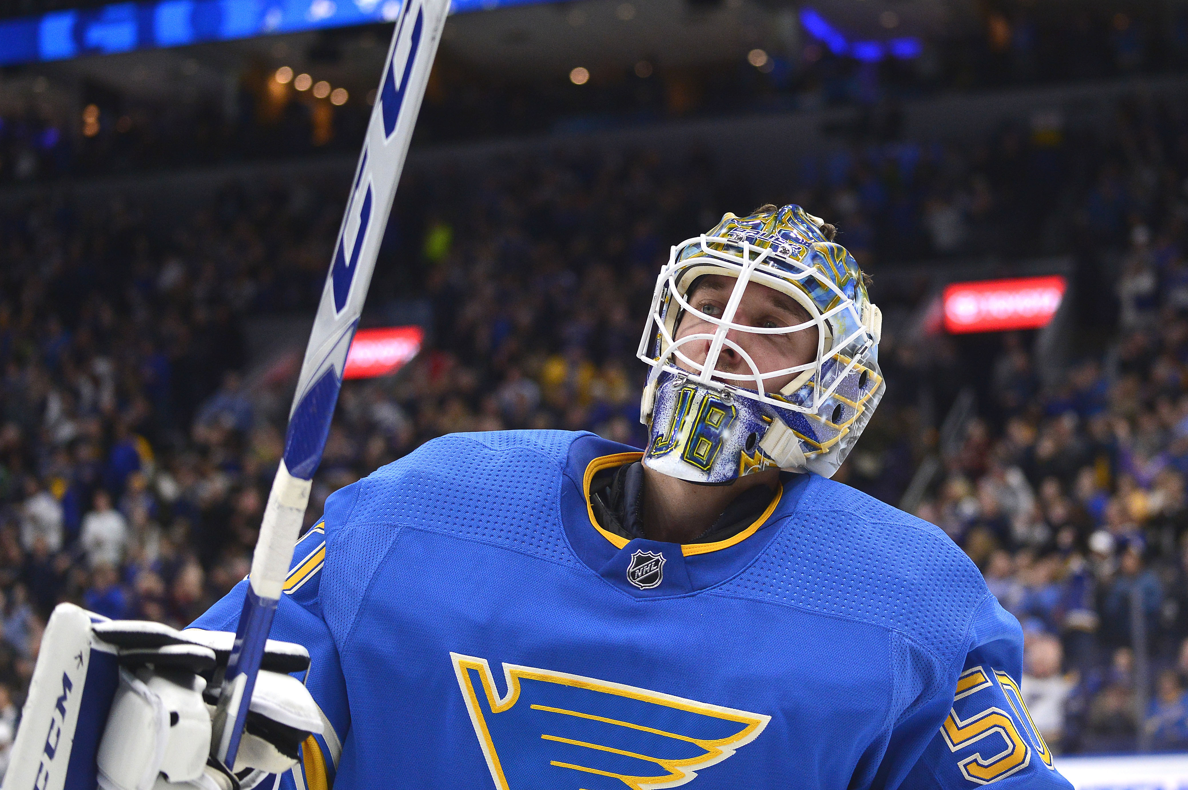 Binnington signs 2-year deal with Blues