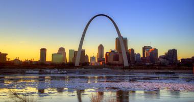 The St. Louis, Missouri Gateway Arch and skyline