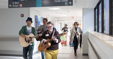 Jason Mraz at St. Louis Childrens Hospital