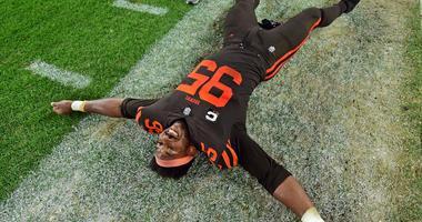 Cleveland Browns defensive end Myles Garrett (95) celebrates