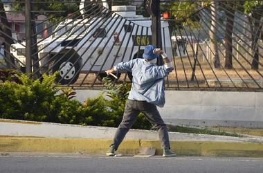 Venezuela Oposition Leader Declares Final Phase of Ousting President Maduro