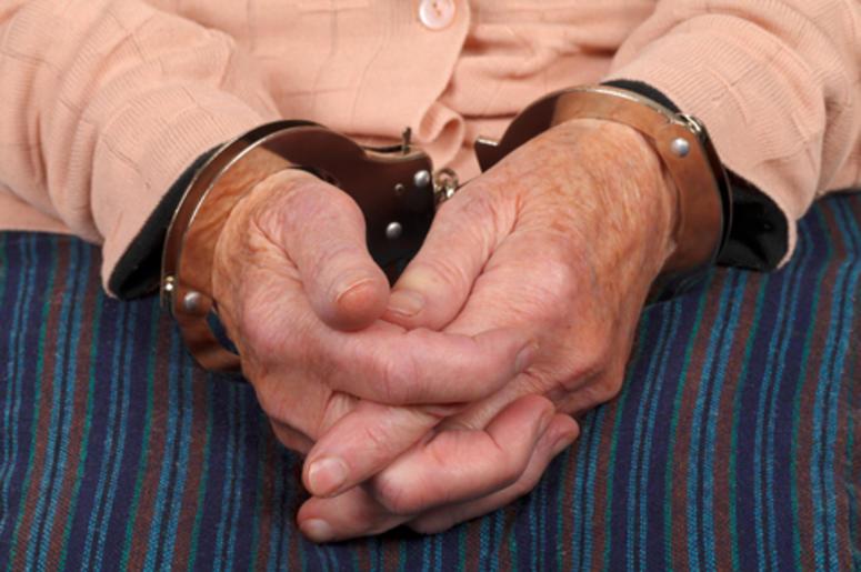 abuelita arrestada