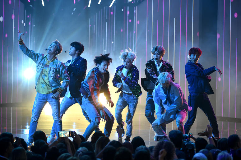 BTS performs at the 2018 AMAs