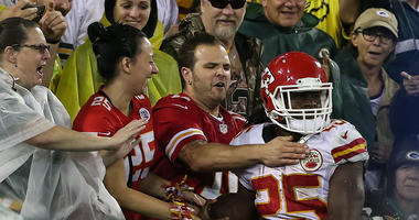 Report: Charles to retire after signing with Chiefs