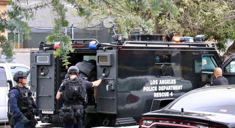 BREAKING: Barricaded Suspect Surrenders in Pacoima | KNX 1070