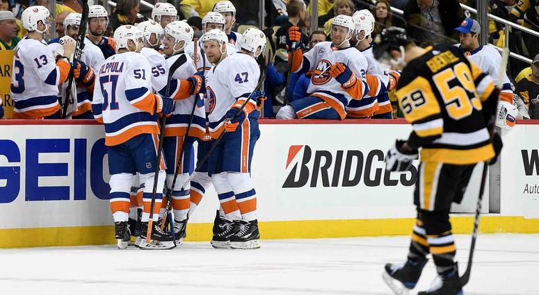 Anders Lee and the New York Islanders celebrate a goal in a Game 3 win over the Pittsburgh Penguins.