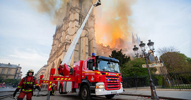 Notre Dame, firefighters