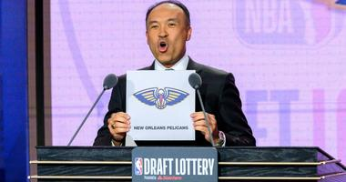 NBA deputy commissioner Mark Tatum reveals the No. 1 pick for the New Orleans Pelicans during the 2019 NBA Draft Lottery.