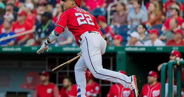 Juan Soto picks up a base hit for the Nationals