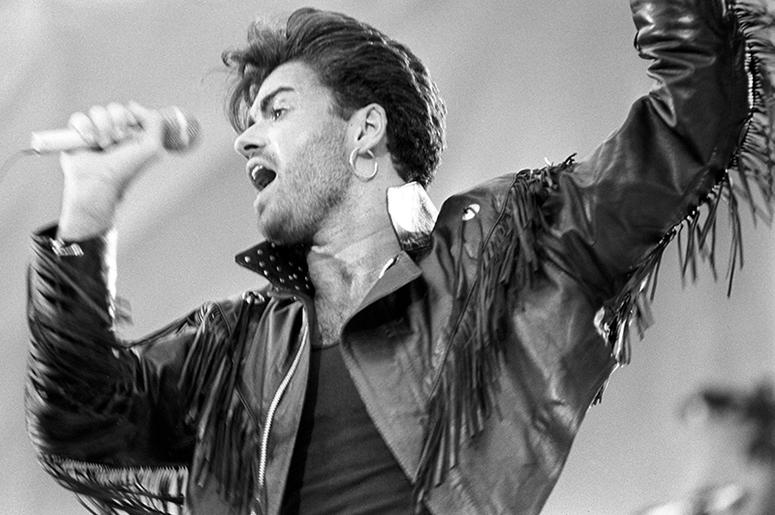 6/28/1986 - George Michael on stage at Wembley Stadium for the Wham! sell-out farewell concert. (Photo by PA Images/Sipa USA)