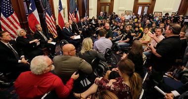 Santa Fe Students Talk With Gov Abbott
