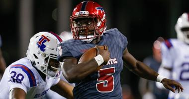 Devin Singletary of Florida Atlantic runs the ball during a game in 2018.
