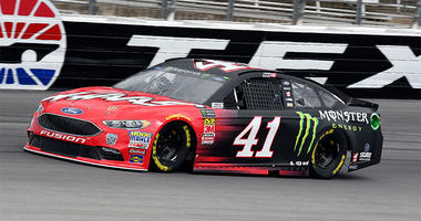 Kurt Busch comes out of Turn 4