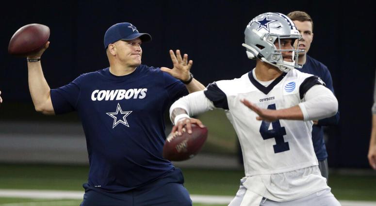 Dallas Cowboys quarterbacks coach Jon Kitna
