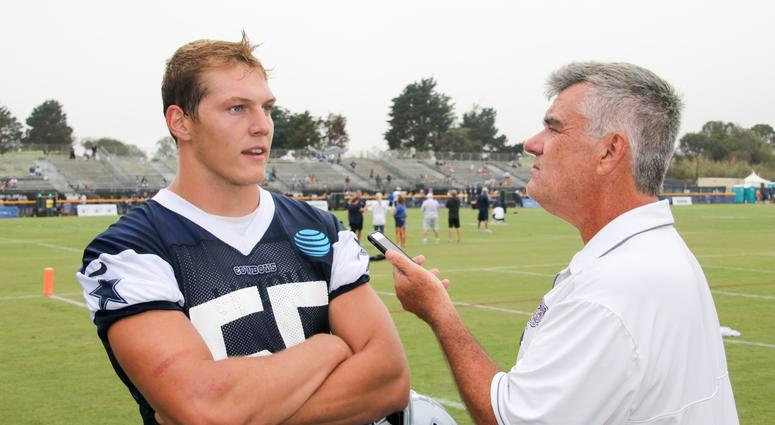 Leighton Vander Esch And Mike Fisher At 2018 Dallas Cowboys Training Camp