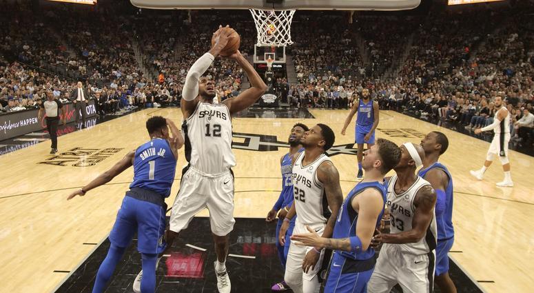 Dallas Mavericks at San Antonio Spurs