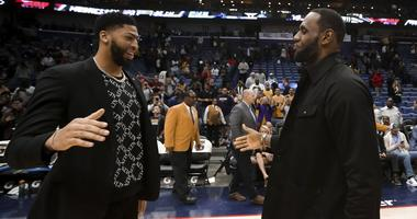 Anthony Davis meets with Los Angeles Lakers forward LeBron James