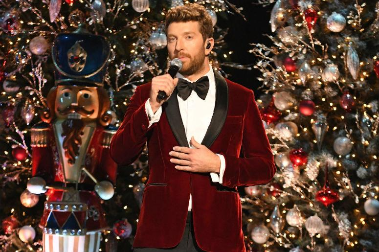 Christmas In Wonderland.Watch Brett Eldredge Performs Winter Wonderland At