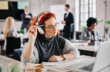 Businesswoman, Desk, Office, Thinking, Headphones, Computer
