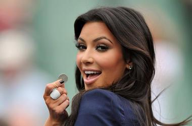 Kim Kardashian, Coin, Smile