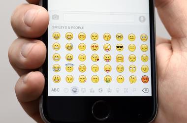 Emojis, Screen, iPhone 6s, Texting