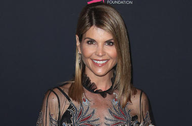Lori Loughlin, Red Carpet, Unforgettable Evening, 2018