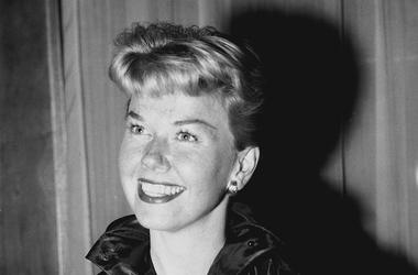 Doris Day, Smile, Claridge's Hotel, London, Black and White, 1955