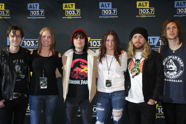 The Struts Meet And Greet Photos At The Verizon Artist Lounge