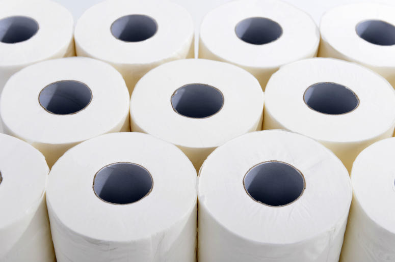 Bulk Toilet Paper >> Woman Hit With 7 000 Shipping Charge After Ordering Toilet Paper On