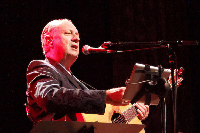 The Monkees, Michael Nesmith, Concert, Singing