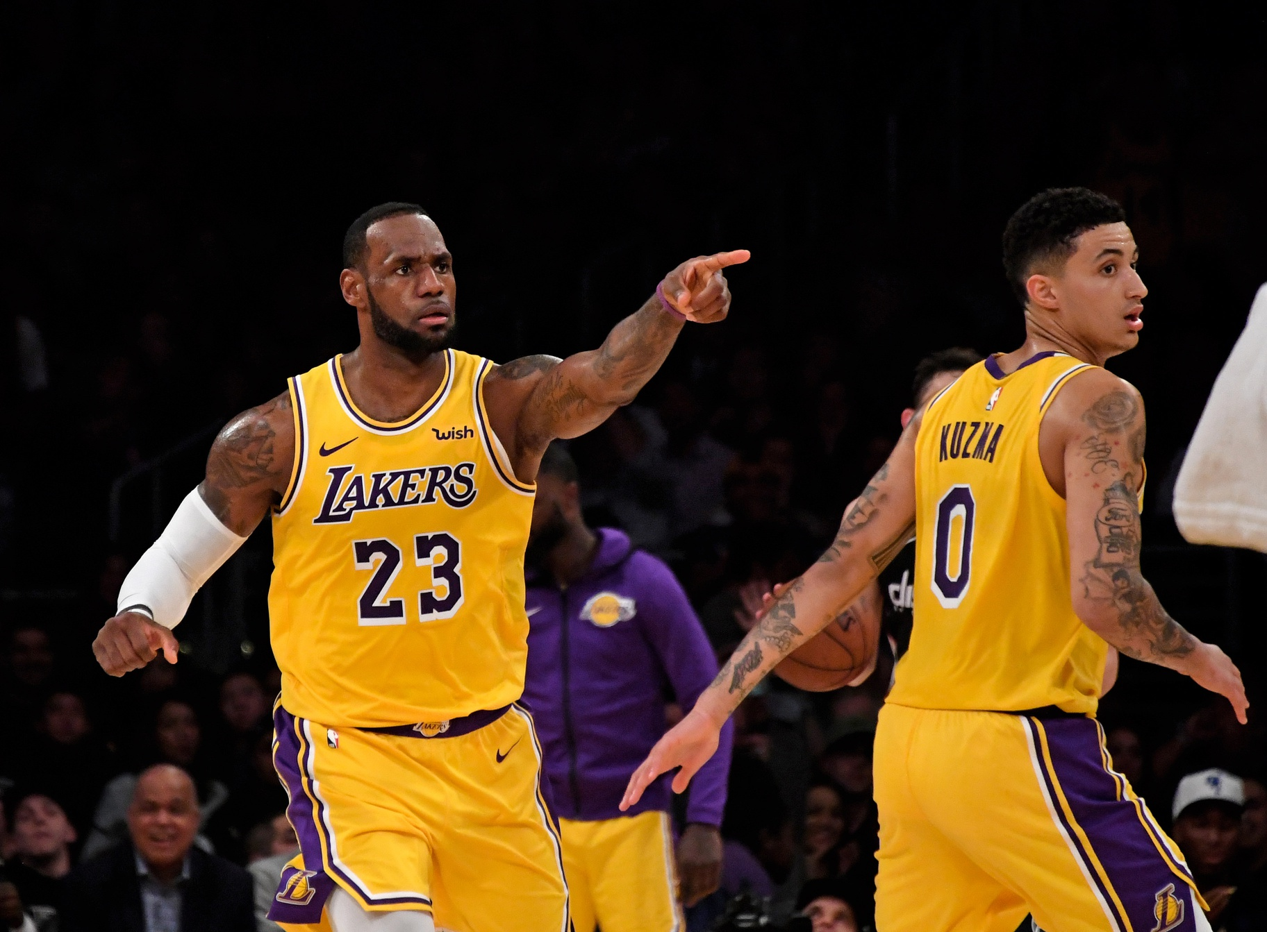 c1373a058cde LeBron leads Lakers past Wiz 124-106 for back-to-back wins