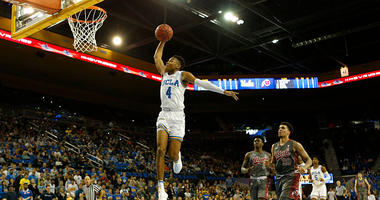 Jaylen Hands #4 of the UCLA Bruins prepares to dunk during the second half of a game against the Utah Utes at Pauley Pavilion on February 09, 2019 in Los Angeles, California. (Photo by Katharine Lotze/Getty Images)