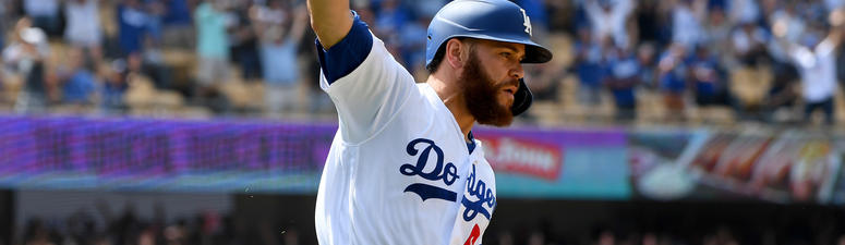 Martin's 2-Out, 2-Run Single In 9th Lifts Dodgers Past Cards 2-1