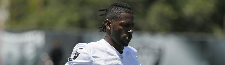 Brown Returns To Raiders After Absence For Feet, Helmet