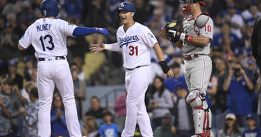 Dodgers Rip 4 HRs, Beat Phillies 6-3 In Matchup Of NL's Best