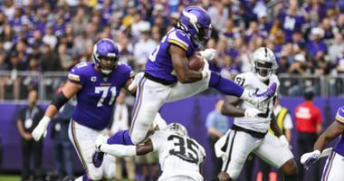 Vikings Make Easy Work Of Raiders, 34-14