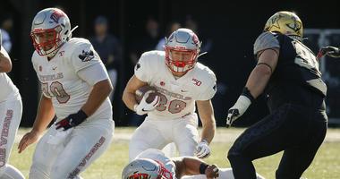 Oblad, Magyar Lead UNLV Over Vanderbilt 34-10