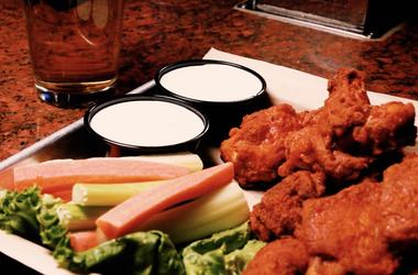 Wings and Beer at Rounders LV