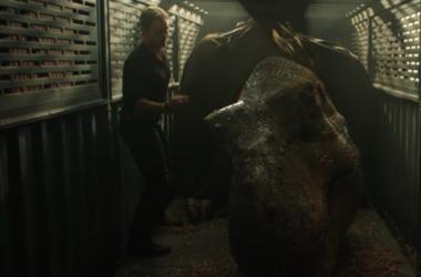"Chris Pratt stars in newest ""Jurassic World: Fallen Kingdom"" trailer."