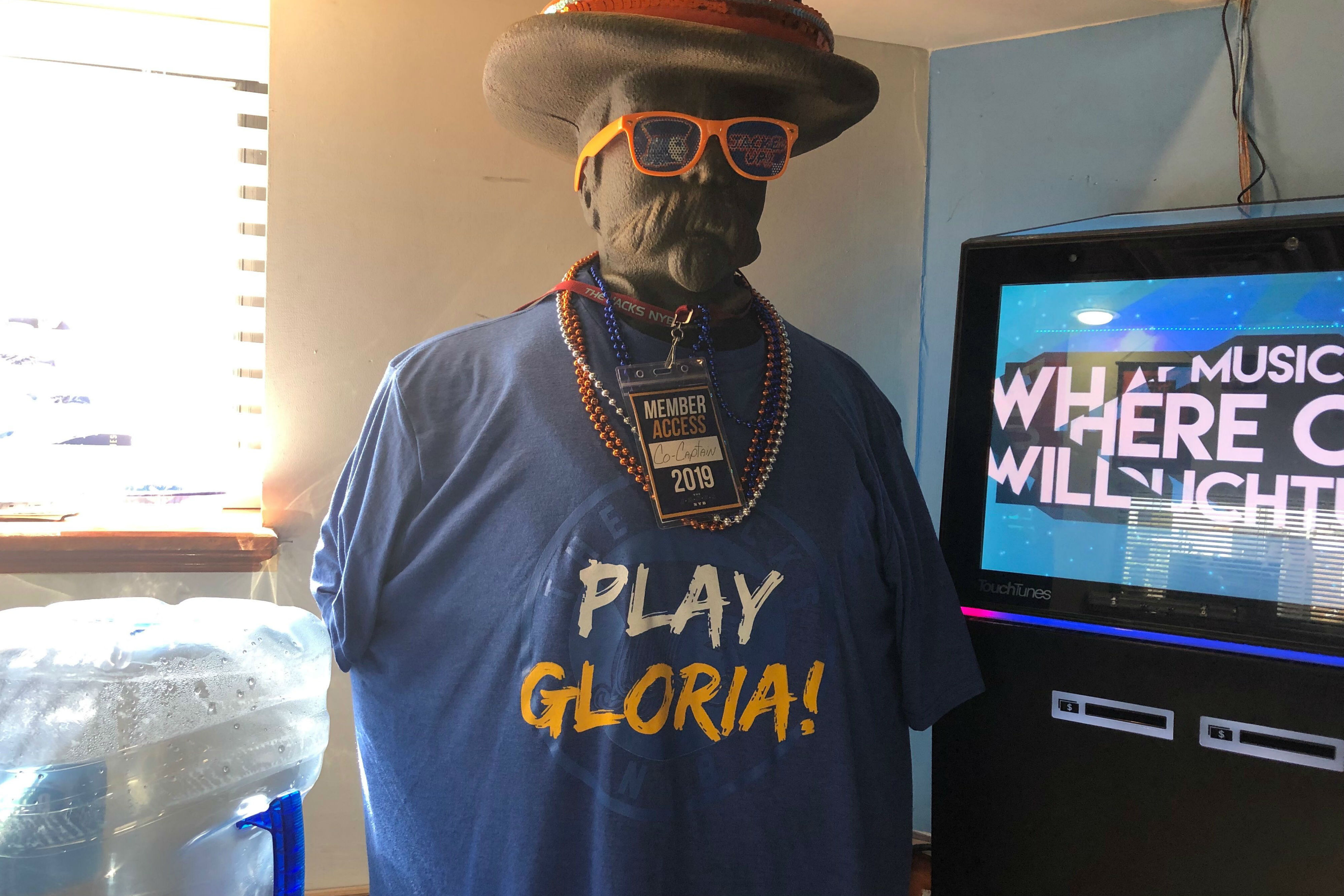 9e6f9c27e Play 'Gloria'! South Philly bar inspires St. Louis Blues' celebration song  | KYW