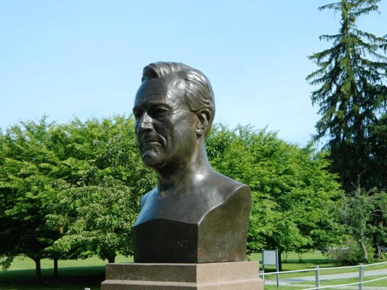 Roosevelt Bust