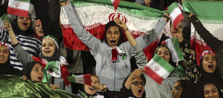 Iranian female soccer fan dies after setting herself on fire