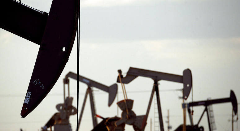 Oil industry and environmental groups say they expect the Environmental Protection Agency to release a proposed rule over the next few days that will roll back requirements on detecting and plugging methane leaks.